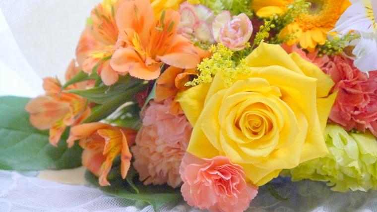 日比谷花壇のオンライン通販の花束